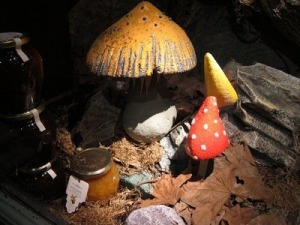 7 FORTNUM AND MASON TOADSTOOLS