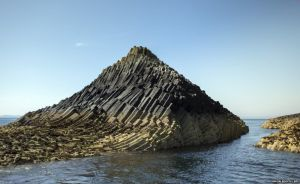 _78143346_c0198055-isle_of_staffa,_scotland-spl