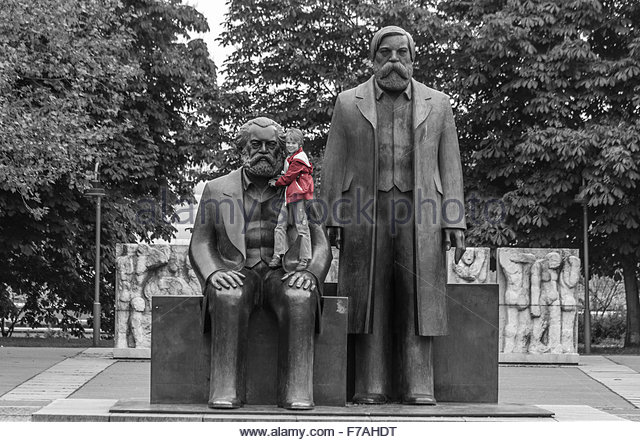 marx-engels-forum-the-monument-to-marx-and-engels-berlin-f7ahdt.jpg